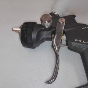 Aerografo per verniciatura professionale a gravità - serie Black HPS SetraVernici - vista fronte